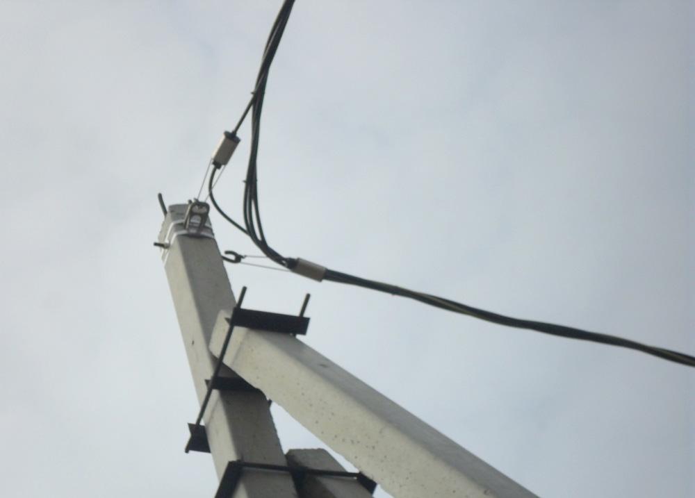 Монтаж провода сип на опорах вл проектирование электроснабжения в деревянном доме
